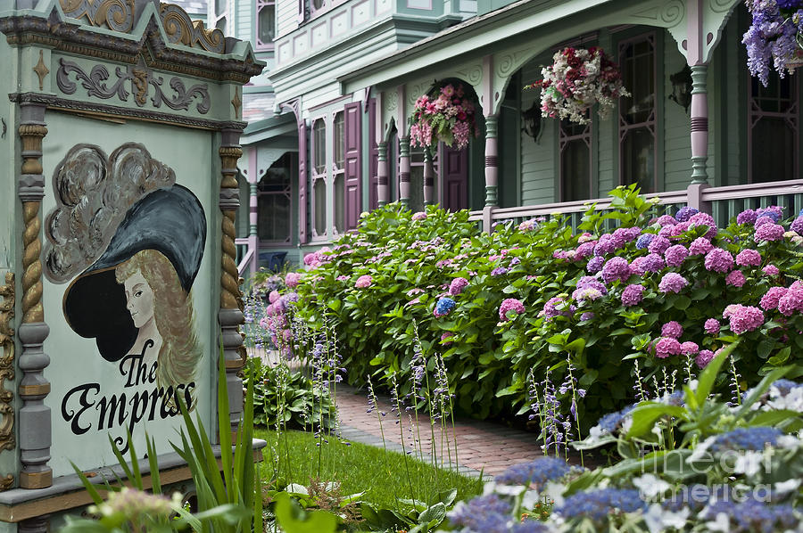 Pin by barb triplett brown on all things victorian pinterest for Victorian garden house