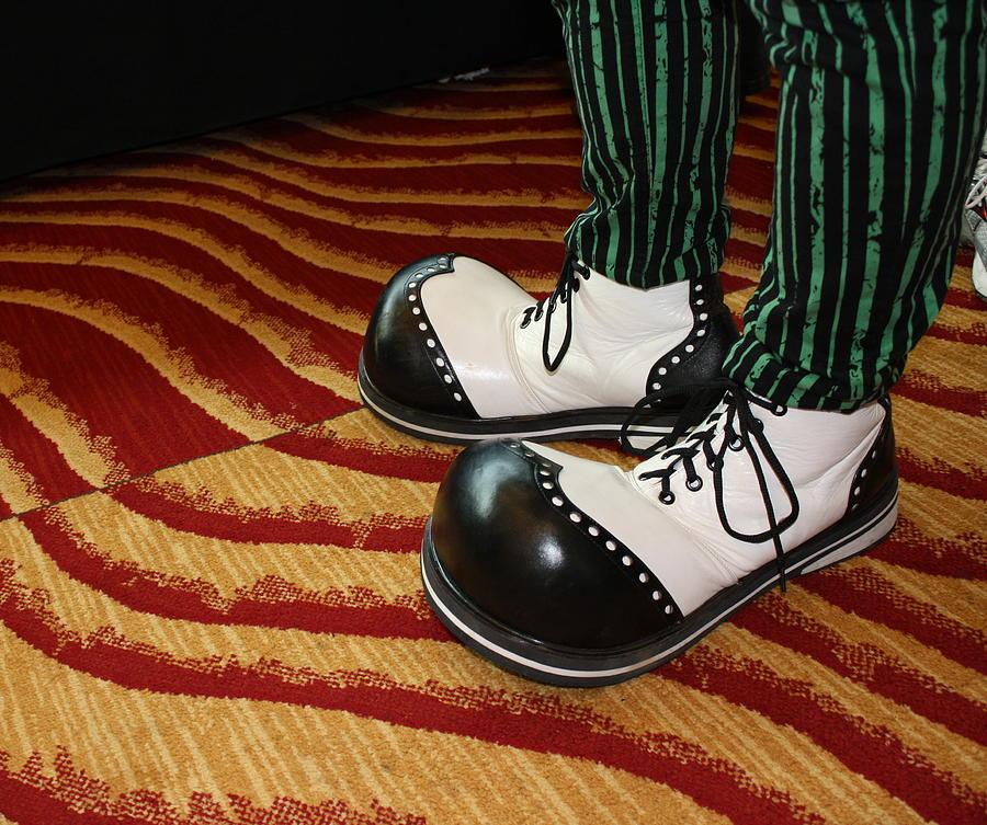 Clown Shoes Black/White: Amazon.co.uk: Toys & Games
