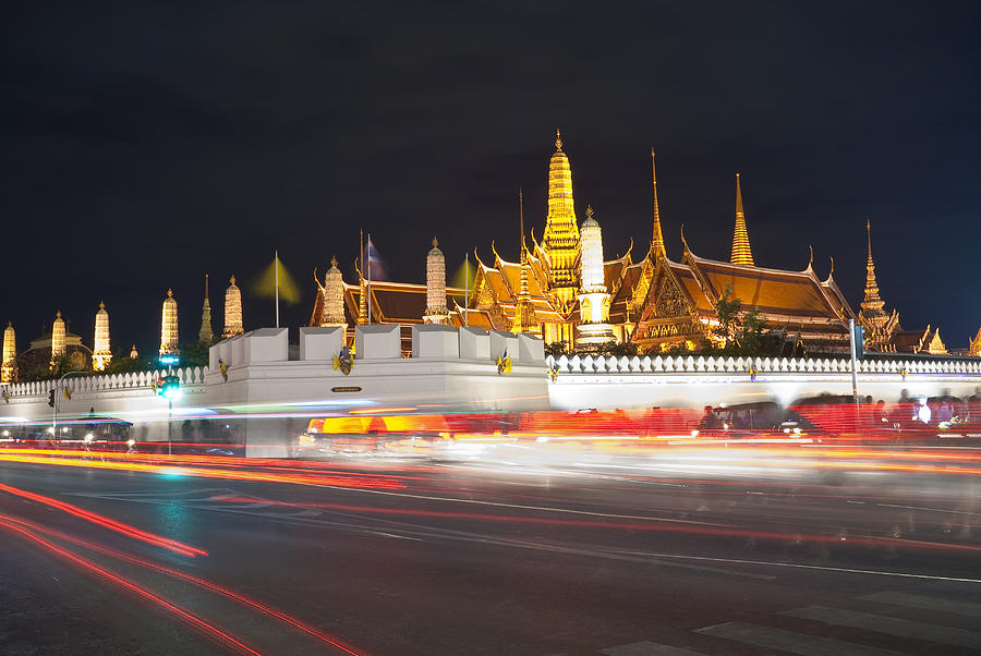 Wat Pra Kaew Grand Palace At Night In Bangkok Thailand ...
