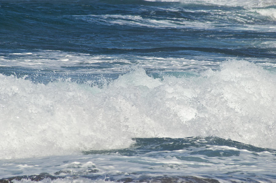 Waves Breaking 7964 Photograph