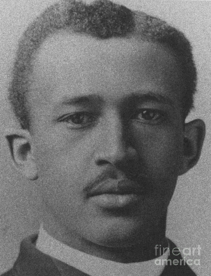 "the life and studies of w e b du bois ""today i have reached my conclusion,"" wrote w e b du bois on  the american studies professor at  living tribute to du bois's ""revolutionary life."