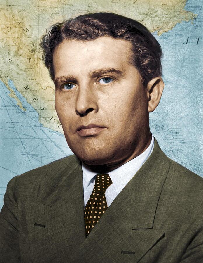 Wernher Von Braun Photograph - Wernher Von Braun, German Rocket Pioneer by Detlev Van Ravenswaay