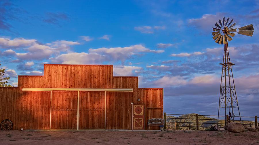 Barn Photograph - Western Barn by Mike Hendren