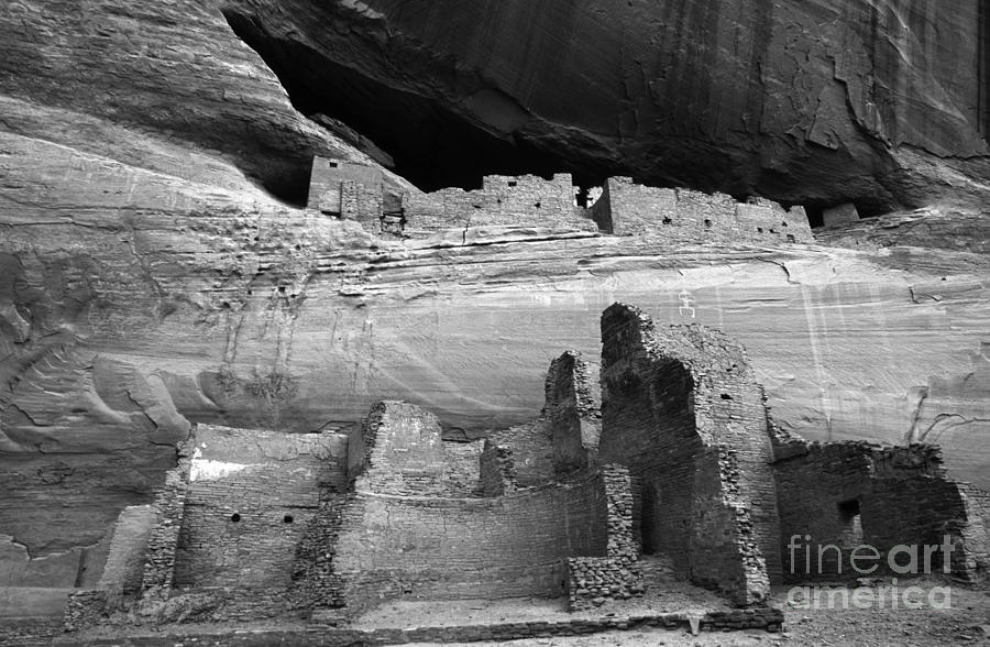 White House Photograph - White House Ruin Canyon De Chelly Monochrome by Bob Christopher