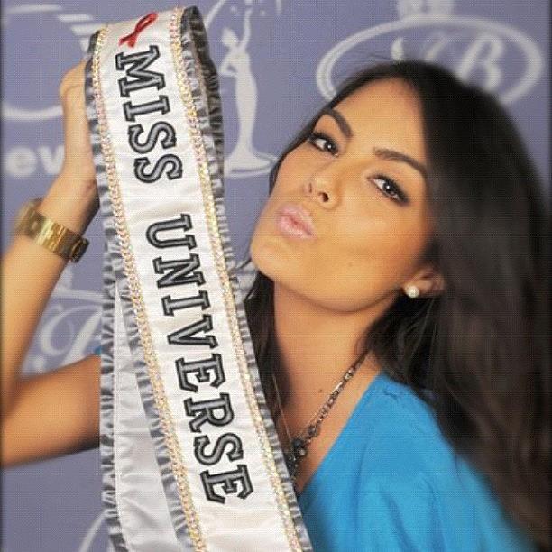 ximena navarrete Ximena-navarrete-miss-universe-2011-oscar-lopez