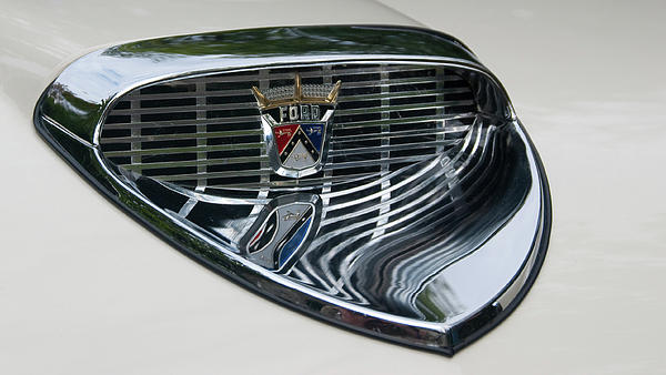 Ford Chrome 13124 Photograph