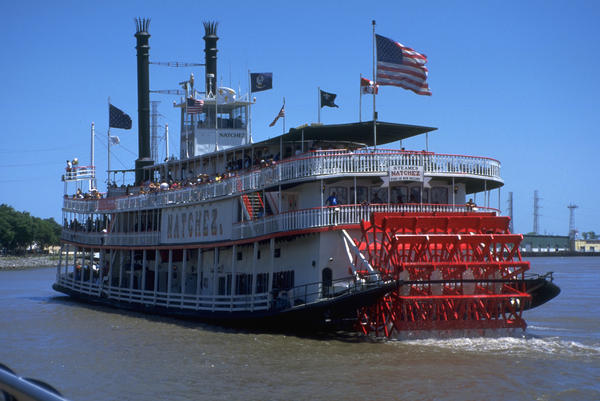 -paddle-wheel-steamer-in-new-orleans-carl-purcell.jpg