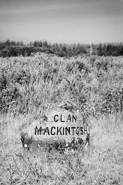 clan mackintosh memorial stone on Culloden moor battlefield site highlands scotland Print by Joe Fox