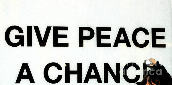 Give Peace A Chance Affiche Print by Anahi DeCanio