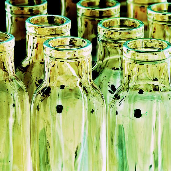 Heiko Koehrer-Wagner - Iridescent bottle Parade