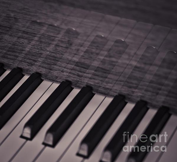 Chavalit Kamolthamanon - Keys Of Piano