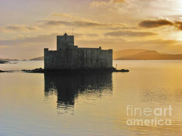 Kisimul Castle Print by Juliet Galloway