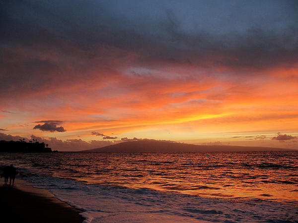 http://images.fineartamerica.com/images-medium/1-wave-at-sunset-over-lanai-hawaii-harry-mason.jpg
