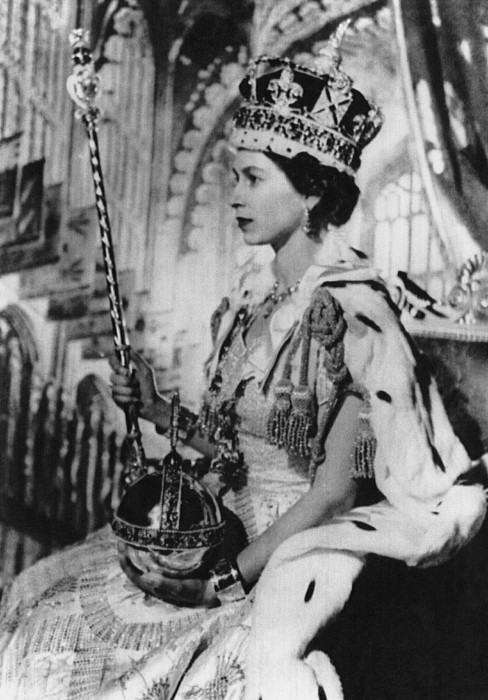 British Royalty. Queen Elizabeth II Print by Everett