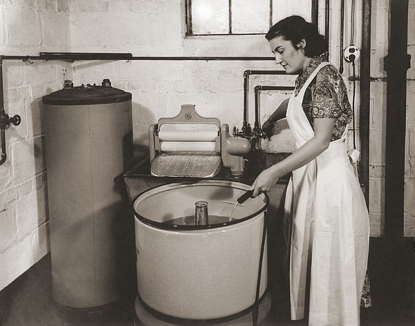 1930s State Of The Art Home Laundry Print by Everett
