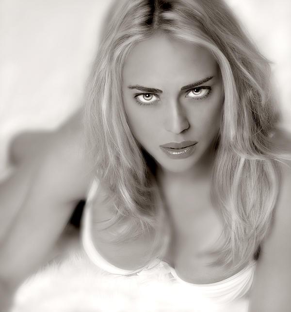 Laurin Rinder - Beautiful Woman