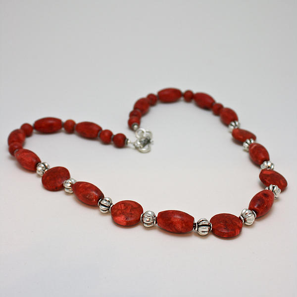 3612 Red Coral Necklace Print by Teresa Mucha