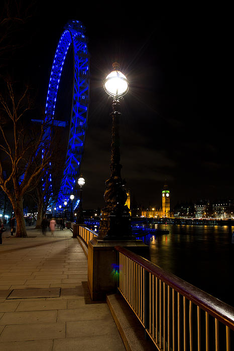 London Eye Night View Print by David Pyatt