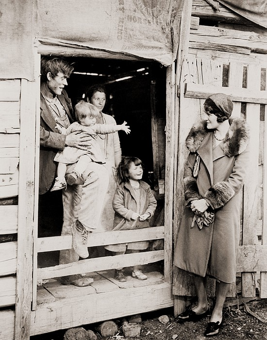 A Family Of Poor Sharecroppers Print by Everett