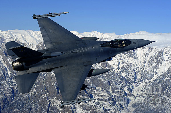 A U.s. Air Force F-16 Fighting Falcon Print by Stocktrek Images