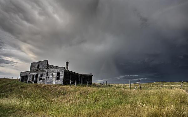 Abandoned Farmhouse Saskatchewan Canada Print by Mark Duffy