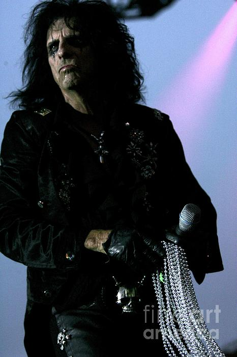 Alice Cooper Walking With Pearls Photograph  - Alice Cooper Walking With Pearls Fine Art Print