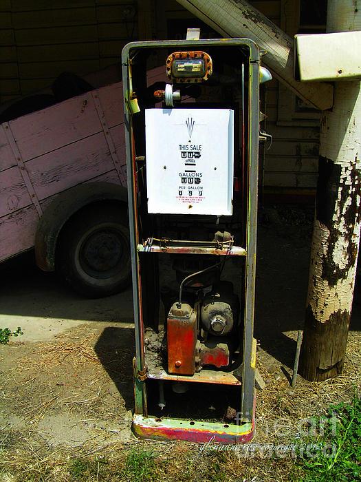 Glenna McRae - American Classic Gas Pump