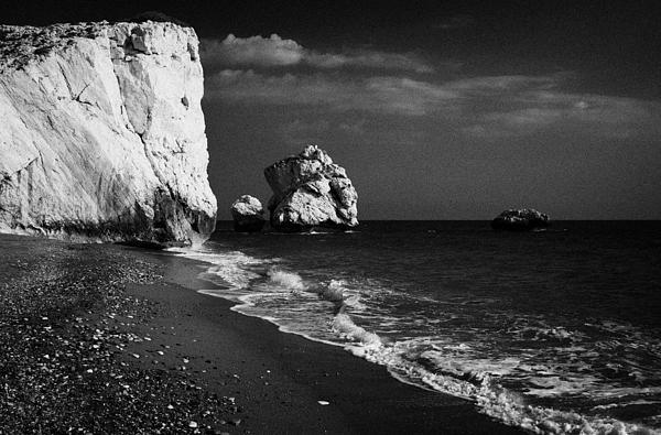Aphrodites Rock Petra Tou Romiou Republic Of Cyprus Print by Joe Fox