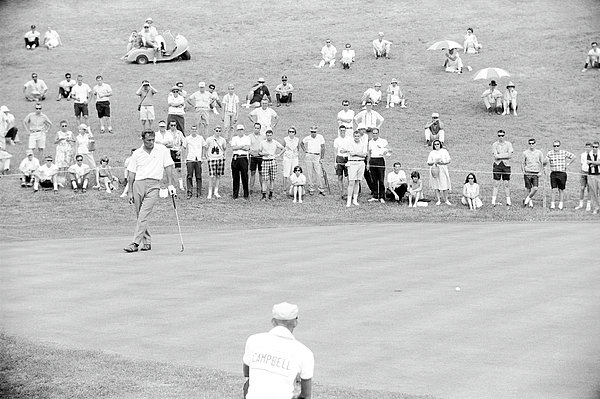Arnold Palmer Waits At 1964 Us Open At Congressional Country Club Print by Jan Faul