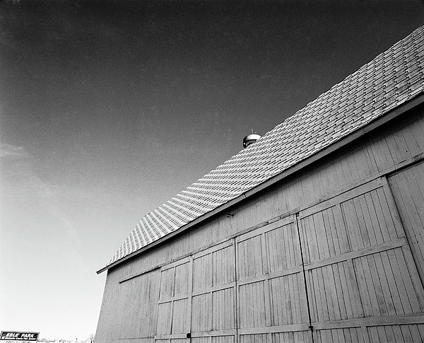 Barn At Eble Park Print by Jan Faul