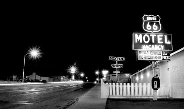 Aron Kearney Photography - Best Round Beds on Route 66