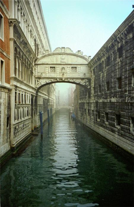 bridge of sighs in venice by michael henderson. Black Bedroom Furniture Sets. Home Design Ideas