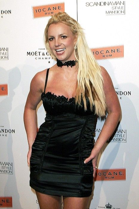 Britney Spears At Arrivals Print by Everett