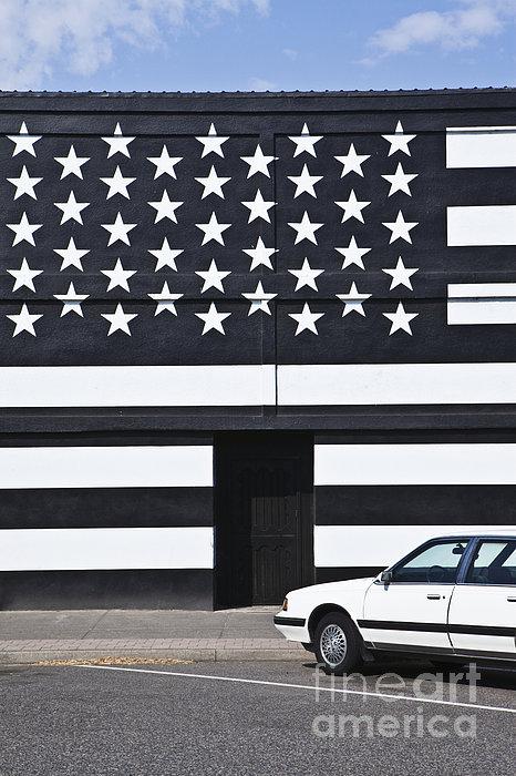 Building With An American Flag Paint Job Print by Paul Edmondson