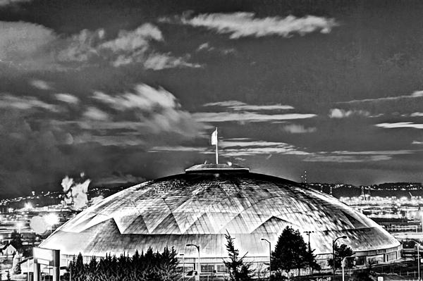 Robby Green - BW Tacoma Dome Night HDR