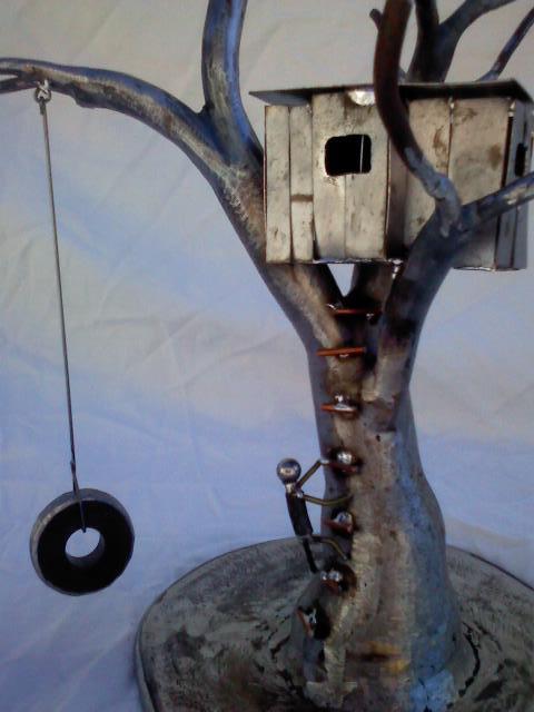 Dan Daugherty - Castle in the tree close up