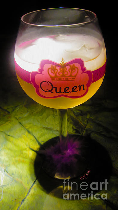 Chardonnay Queen Print by Cheryl Young
