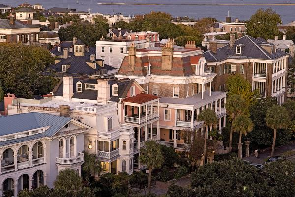 Charleston battery historic homes by vanessa kauffmann for Builders in sc