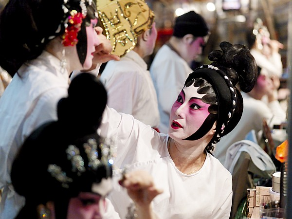 Chinese Opera Performers Prepare Print by Justin Guariglia