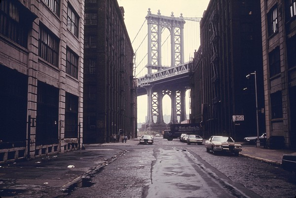 Classic View Of The Manhattan Bridge Print by Everett