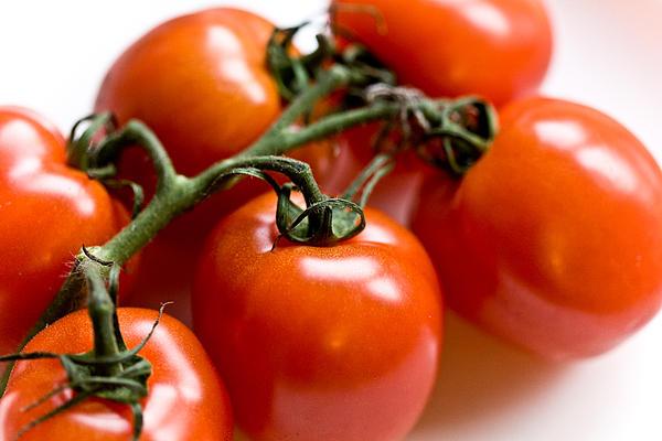 Cluster Of Tomatoes Print by Hakon Soreide