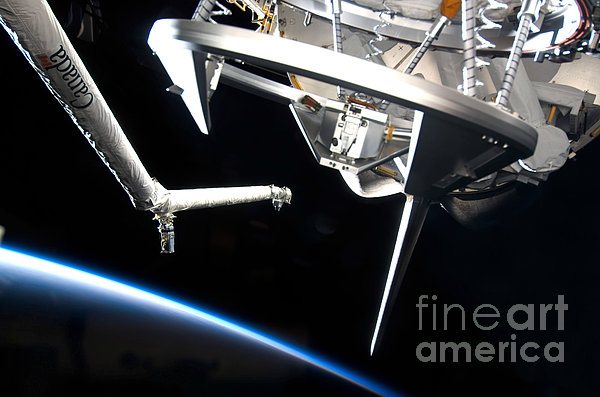 Components Of Space Shuttle Discovery Print by Stocktrek Images