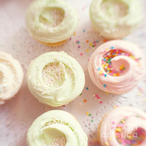 Kim Fearheiley - Cupcakes
