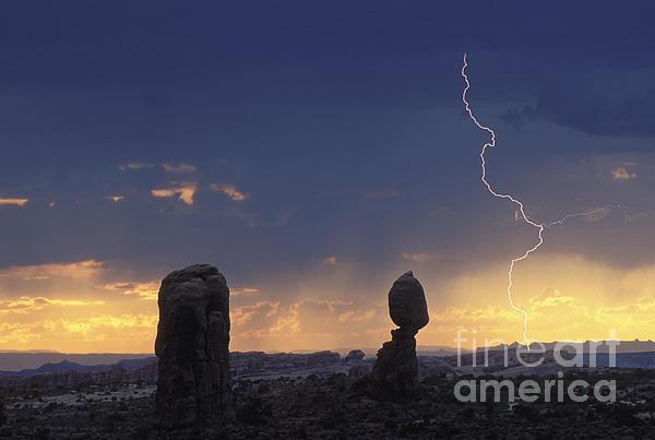 Desert Storm - Fs000484 Print by Daniel Dempster