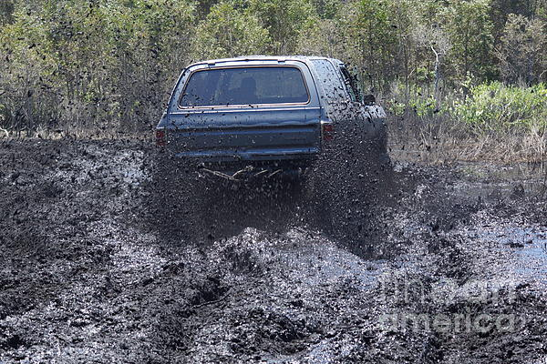 Lynda Dawson-Youngclaus - Dodge Ramcharger in Local Mud 2