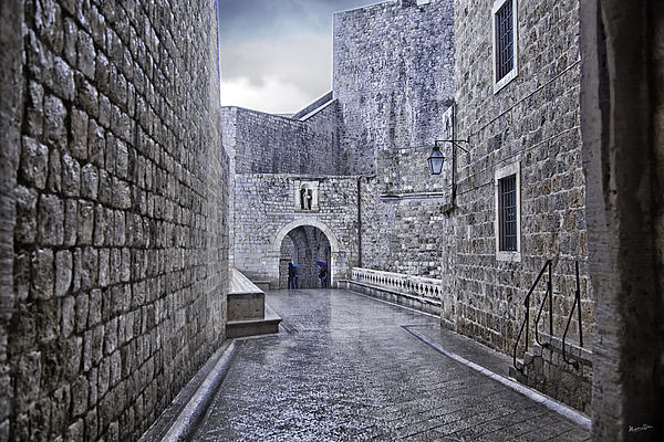 Madeline Ellis - Dubrovnik In The Rain - Old City