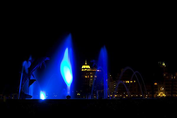 Fountain Bay  Blue Print by Nicholas Evans