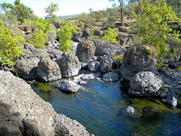 Giant Basalt Boulders Swimming Hole Print by Frank Wilson