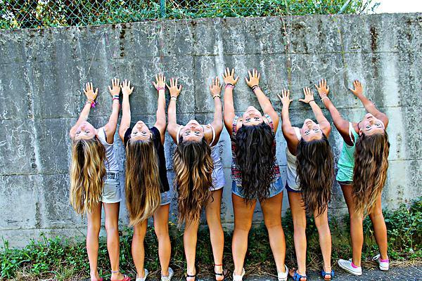 Girls And Long Hair Print by Jenny Senra Pampin
