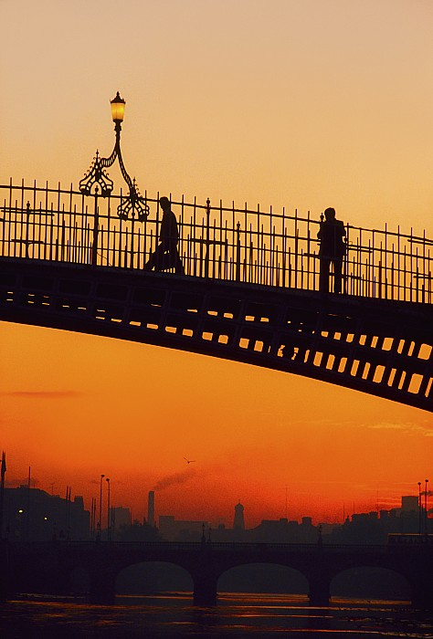 Hapenny Bridge, Dublin, Co Dublin Print by The Irish Image Collection
